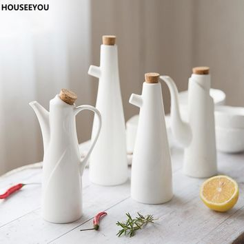 Ceramic Gravy Boats Porcelain Olive Oil Soy Sauce Vinegar Seasoning Pot Can Bottles Kitchen Accessories Tools Storage Gravy Boat