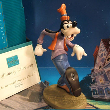 "WDCC 'Goofy' ~ ""Oh, the world owes me a livin',"" - Moving Day, Animators' Choice Members Only Sculpture Retired Vintage Collectible Figurine"