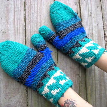 Vintage // 1990's Crochet Mittens // Knit Gloves // Aztec Navajo Pattern // One Size