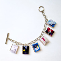 Paper Towns,The Fault in Our Stars,Will Grayson,Let It Snow,An Abundance of Katherines,Looking For Alaska John Green Book Locket Bracelet