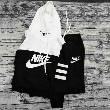 NIKE TWO PIECE SPORTS WEAR