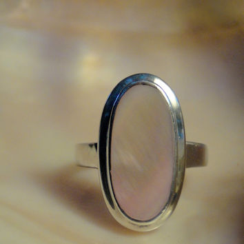 Sterling Mother of Pearl Ring Sz 7.75 Oval Art Deco Style