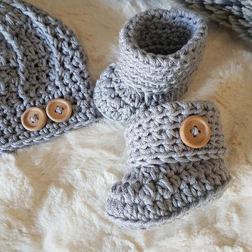 Button Detail 100% Cotton Hat and Booties Gift Set