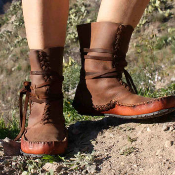 Itya Moccasin ankle boots, leather handmade, original design, beautiful and healthy for your feet.