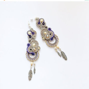 Bohemian dangle earrings. Cream - purple soutache earrings. Bohemian jewelry.