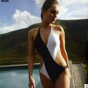 LMFOK3 Fashion classic black and white cross swimsuit