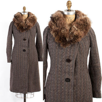 Vintage 30s COAT / 1930s Brown Tweed WOOL Deco Winter Coat with Raccoon Fur Collar S