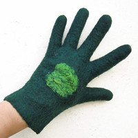 ON SALE 20 % off - felted gloves - merino wool - handmade - dark green -  emerald