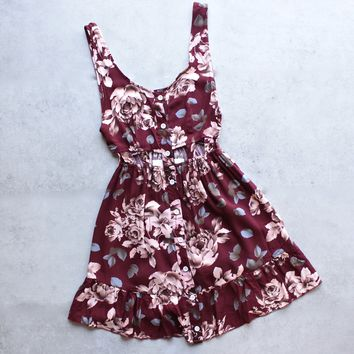reverse - long weekend autumn floral dress in burgundy
