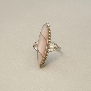 Vintage STERLING Silver Taxco Mexican RING Mother of Pearl PINK Hue Size 6 Hallmarked c.1970s