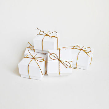 Set of 20 Wedding Favor White Origami Boxes with Gold by danver