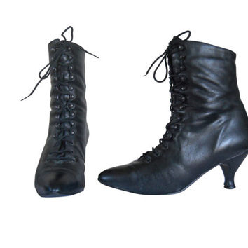 Black Granny Boot 8.5 Lace Up Boot Bohemian Boot 80s Boot Fashion Boot Black Leather Boot Heeled Boot Ladies Boot French Heel Shoe Boho