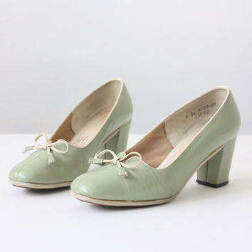 50s shoes - vintage mint green 1950's shoes - size 6
