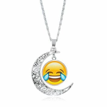 H:HYDE 2017 Lovely Emoji Glass Pendant Necklace For Women Fahion moon Chain Choker Emoji Necklace Women Jewelry New Arrival