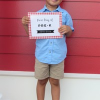 Fun Friday: Free Printable First Day of School Signs