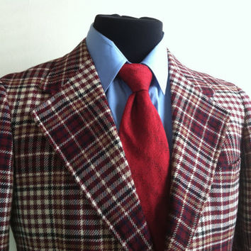 Varsity Town Clothes Maroon White Tan and Black Plaid Window Pane Pattern Mens Sports Coat