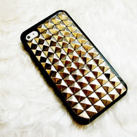 iPhone 5 Case , Studded iPhone 4 Case, Unique Silver Pyramid Stud Black Color iPhone case , Studded iPhone 4s Cases