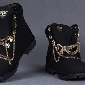 ONETOW Black and White customized Timberland boots