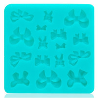 Butterfly Knot Design Multifunctional Cake/Biscuit Mold Tray (Green)