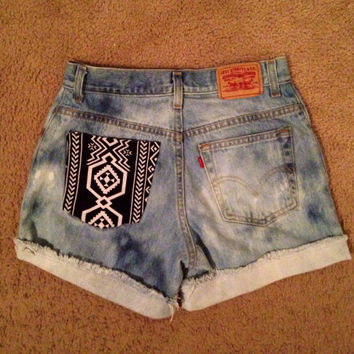 High waisted Levi acid wash shorts