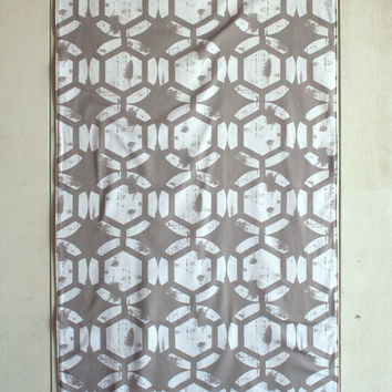 URBAN OUTFITTERS Inspired Gray Fabric Accent Rug Distressed Geometric Gray Honeycomb Pattern Rug Cotton Canvas Area Rug