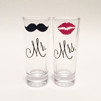 Mr and Mrs Shot Glass Set