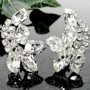 Vintage CRYSTAL RHINESTONE Clip Earrings Gorgeous Silver Tone Bridal Clips