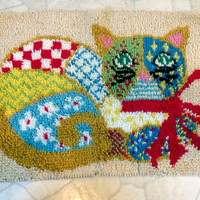 Vintage Psychedelic Cat latch hook rug wall hanging tapestry Kitty picture art Collectible Home Decor Toy Game Room cute gift idea