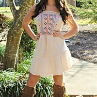 How Country Feels Dress - Cream