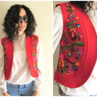 Vintage 60s 70s Red Felt Flower Embroidery Hippie Boho Vest