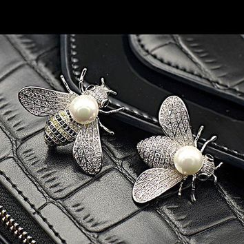 ESBD5W Shell pearl lovely bees micro inlaid zircon insect brooch