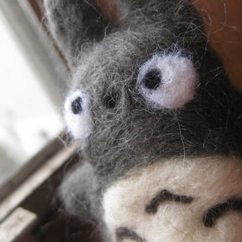 Totoro Needle felted by EmilylovesNeedles on Etsy