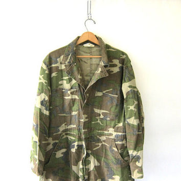 Vintage camoflage Jumpsuit car Mechanic Pants / army Jumper / Romper / Coveralls Jumpsuit / Jumpsuit / Size Large