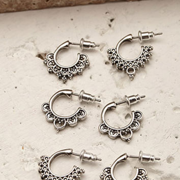 Scalloped Hoop Set