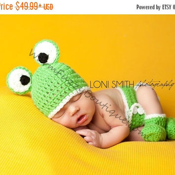 ST PADDYS SALE Frog Hat, Booties & Diaper Cover Set Crochet Baby - Newborn Nb Beanie Cap Shoes 0-12months Costume Halloween  Winter Outfit