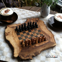 Olive wood chess board/set  game inclusive figures size 15,75' x 15,75'