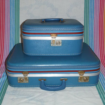 Vintage 2 pc suitcase of cosmetics case set