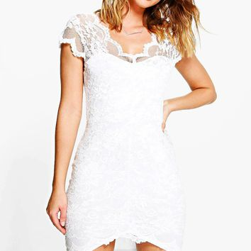 Gia Scallop Lace Bodycon Dress | Boohoo