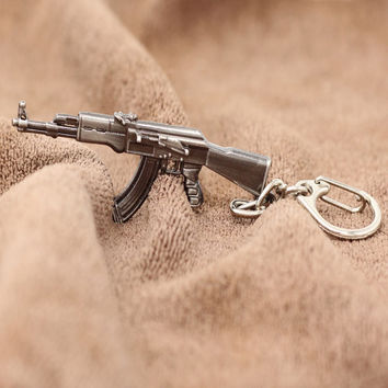 11 Styles Weapon Gun Keychain Models CF FireWire Arms Gun Mode AK 47 Rifle Key Chain Chaveiro Military Model Llaveros Gift K-168