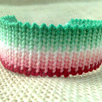Friendship Bracelet - Green to Red Fancy Pattern