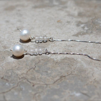 Pearl earring white crystal earring Long thread earring Freshwater pearl threader earring Silver chain earring Elegant Modern bridal earring