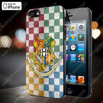 Hogwarts Crest Case for iPhone 5/5S, 4/4S, and Samsung Galaxy S3/S4