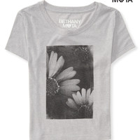 Aeropostale  Womens Daisy Crop Graphic T-Shirt