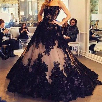 2017  Vintage Gothic 1950s Black Ball Gown Wedding Dresses Non White Sweetheart Princess Non Traditi