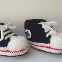 Crochet baby Converse, Baby shoes, Baby sneakers, Baby booties, Converse style, Baby converse, Shower gift, Newborn  shoes, Handmade boots