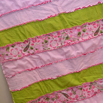 25% off Christmas Sale Baby RAG QUILT, Crib Blanket Bedding, Hot Pink, Green, Ready to Ship