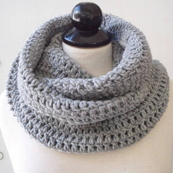 Crochet Scarf Chunky Infinity Scarf Circle cowl Neck warmer Gifts for her Personalized Womens Cowl scarf Chunky Knit Scarf Knitted Cowl