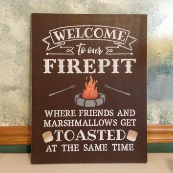 Welcome To Our Firepit Sign, Camper Decor For RV, Fire Pit Sign Rustic Cabin Decor Wall Art, Lake House Sign Outdoor Summer Decor, Camping