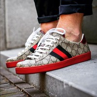 Gucci Classic Fashion Woman Men Running Sport Shoes Sneakers I/A