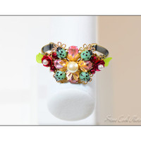 Bangle cuff bracelet green glass ladybug beads lucite leaves pink rhinestones red metal roses antique gold